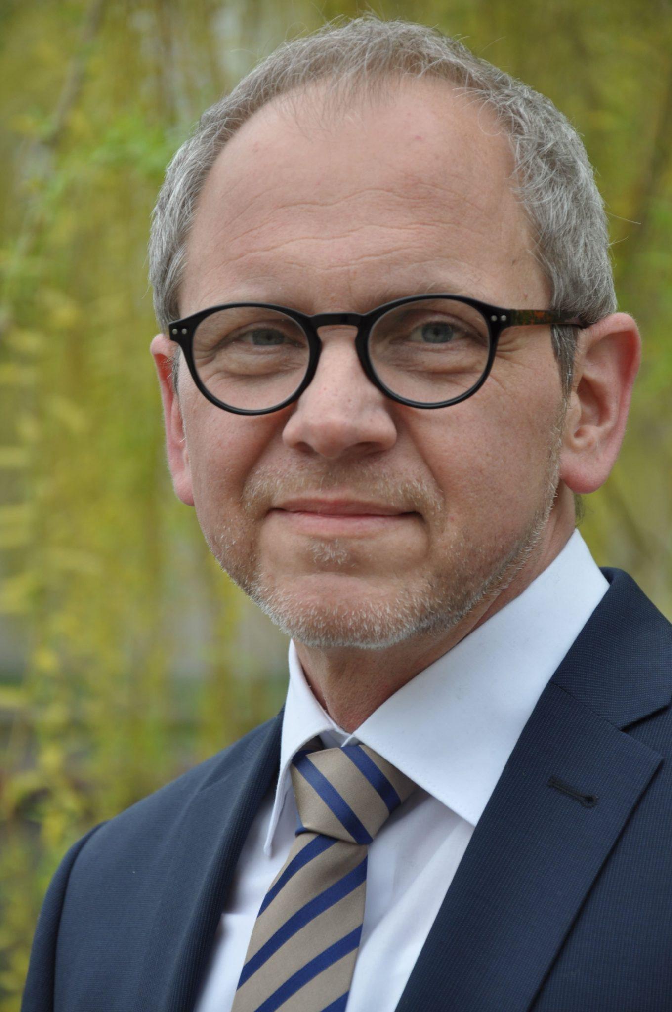 Karsten Zimmermann, Dipl.-Pol.